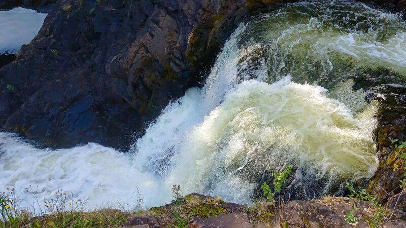 Удивительные истории водопада Кивач.