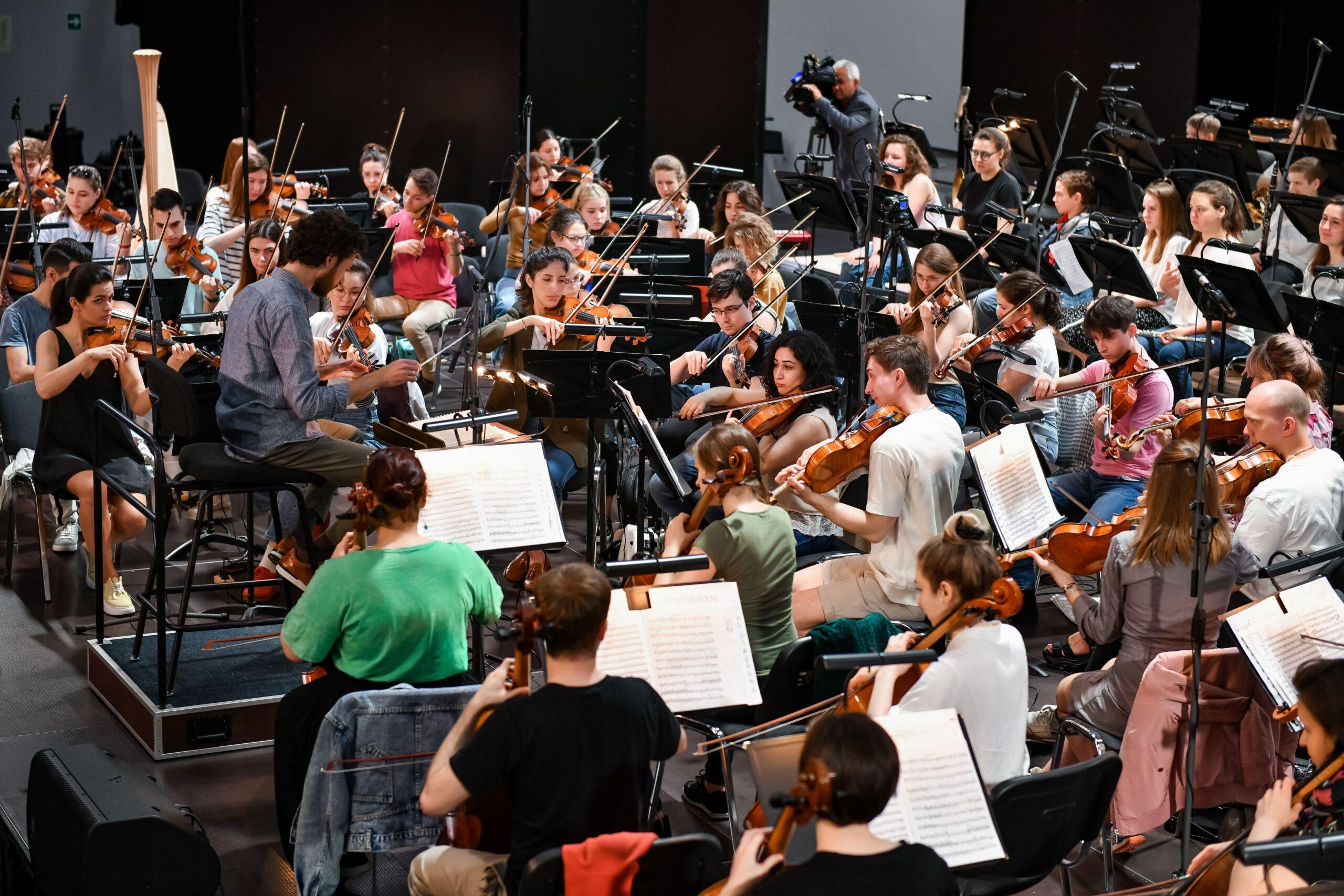 Музыканты образовательного центра «Сириус» выступят с Российским национальным молодежным симфоническим оркестром